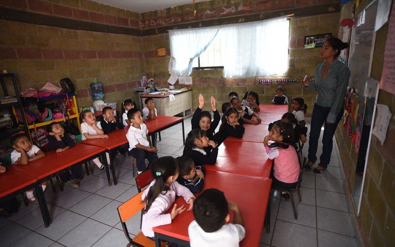 """<a href=""""/slideshow/proteccion-la-infancia-4"""">Protección a la Infancia 4</a>"""