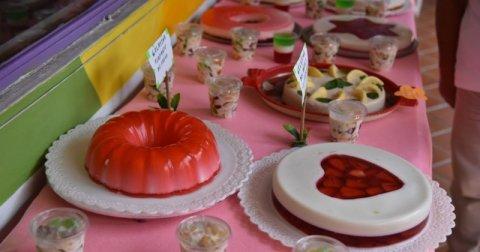"<a href=""/noticias/reciben-abuelitos-curso-de-gelatina-artistica"">RECIBEN ABUELITOS CURSO DE GELATINA ARTÍSTICA</a>"