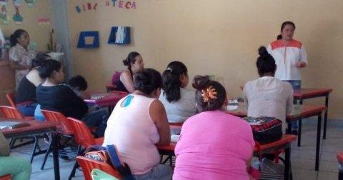 """<a href=""""/noticias/imparte-dif-morelos-taller-sobre-crianza-positiva-en-familias"""">IMPARTE DIF MORELOS TALLER SOBRE CRIANZA POSITIVA EN FAMILIAS</a>"""