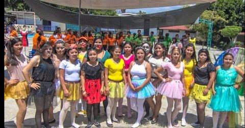 """<a href=""""/noticias/fomenta-dif-morelos-desarrollo-de-alumnos-del-cdc-de-temixco"""">FOMENTA DIF MORELOS DESARROLLO DE ALUMNOS DEL CDC DE TEMIXCO</a>"""