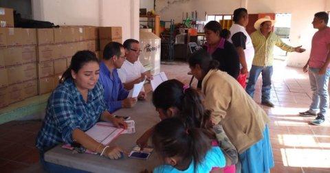 """<a href=""""/noticias/apoya-dif-morelos-familias-de-jornaleros-agricolas"""">APOYA DIF MORELOS A FAMILIAS DE JORNALEROS AGRÍCOLAS</a>"""