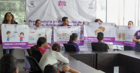 """<a href=""""/noticias/difunde-dif-morelos-derechos-de-ninas-ninos-y-adolescentes-en-centros-de-asistencia-social"""">DIFUNDE DIF MORELOS DERECHOS DE NIÑAS, NIÑOS Y ADOLESCENTES EN CENTROS DE ASISTENCIA SOCIAL</a>"""